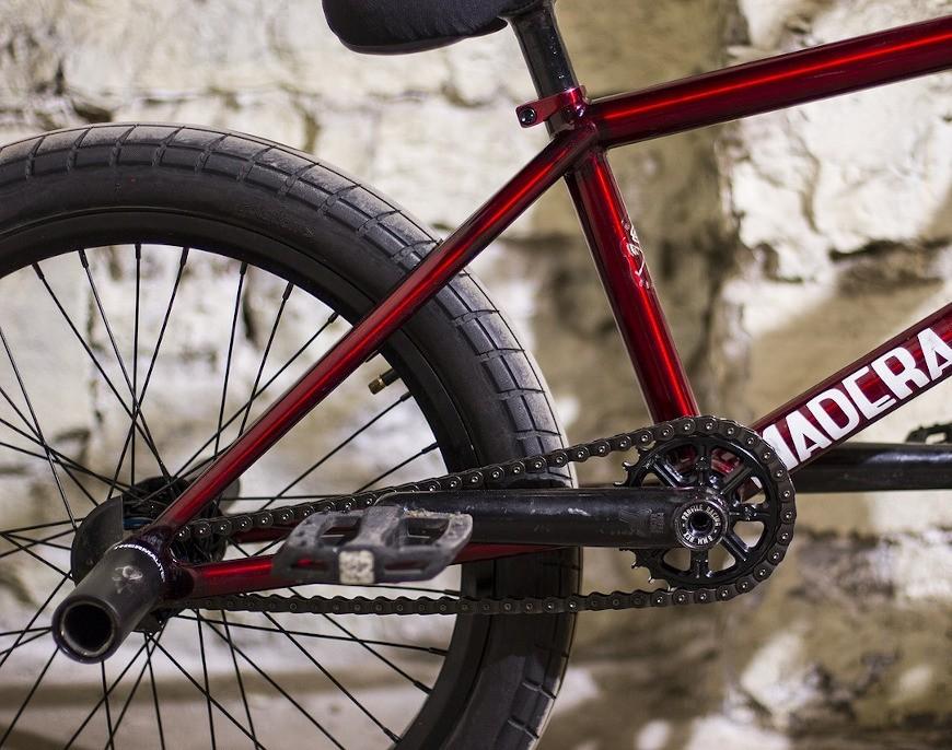 Jak dobierać opony rowerowe do typu tras i jak o nie dbać?