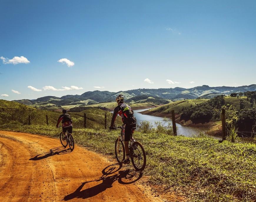 Jak przygotować się do długiej wycieczki rowerowej. O czym każdy cyklista powinien pamiętać?