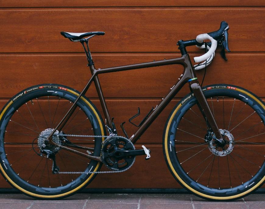 Rowery typu gravel i przełajowe – podobieństwa i różnice, a także zalety i wady